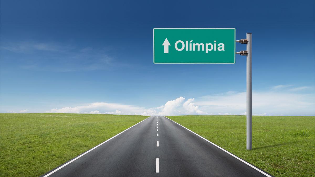 Estrada com placa de Olímpia